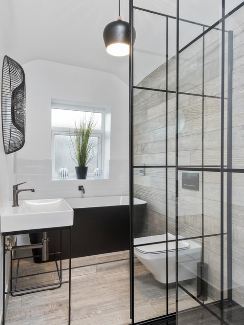 Charmant This Is An Example Of A Medium Sized Urban Ensuite Bathroom In West  Midlands With A