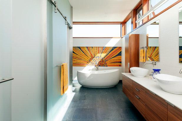 コンテンポラリー 浴室 by Swatt | Miers Architects