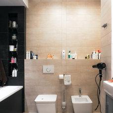 Modern Bathroom by Vyhodec Дизайн/Ремонт