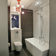 Contemporary Bathroom by 7j Design, Ottawa