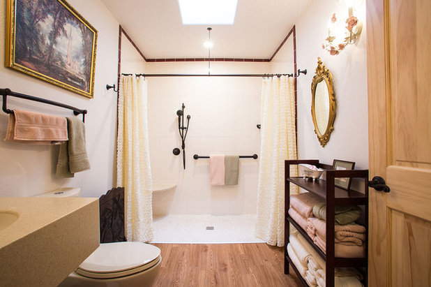 Traditional Bathroom by Dreamstyle Remodeling