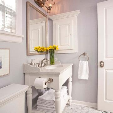 Redmond Cottage Small Bath