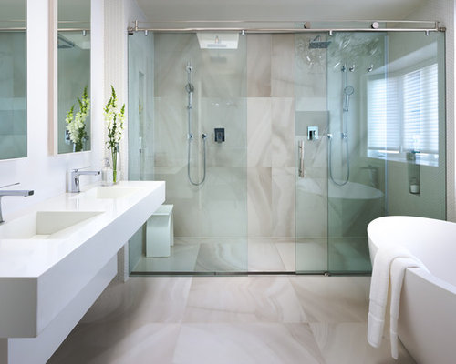 Sliding glass shower doors home design ideas pictures for Salle de bain de luxe italienne