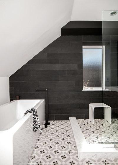 10 salles de bains en noir et blanc