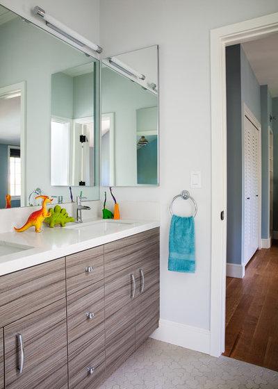 Moderno Stanza da Bagno by Bay Area Custom Homes, Inc.