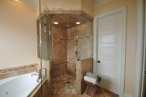 Traditional Bathroom by Splash Galleries, Inc.