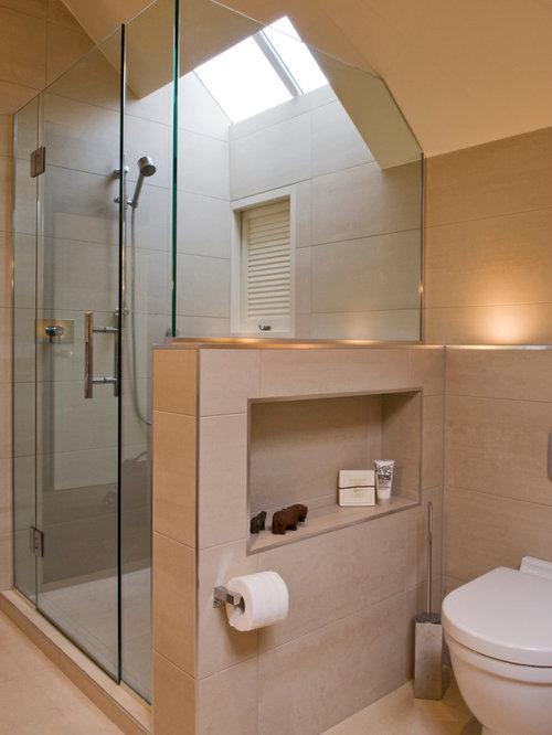 Salle d 39 eau moderne avec un plan de toilette en granite photos et id es - Idee deco salle d eau ...