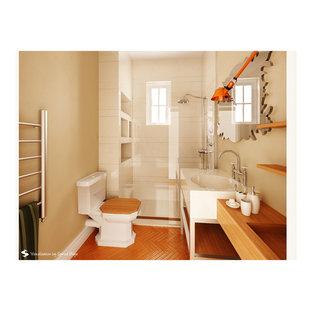 Ejemplo de cuarto de baño con ducha, clásico renovado, de tamaño medio, con ducha empotrada, sanitario de dos piezas, baldosas y/o azulejos blancos, baldosas y/o azulejos de porcelana, paredes marrones, suelo de bambú, lavabo tipo consola y encimera de acrílico