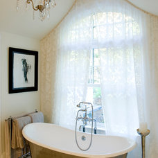 Traditional Bathroom by Barnes Vanze Architects, Inc