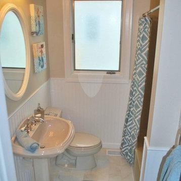 ... Budget $ Bathroom Design Ideas, Remodels & Photos with Porcelain Tile