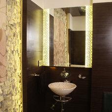 Modern Bathroom by manjesh