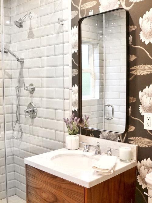 salle de bain romantique avec un plan de toilette en quartz photos et id es d co de salles de bain. Black Bedroom Furniture Sets. Home Design Ideas