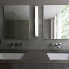 Modern Bathroom by Fivecat Studio | Architecture