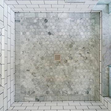 Retro Bathroom in Downtown Delaware