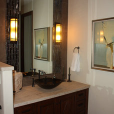 Traditional Bathroom by Dreambridge Design, LLC.