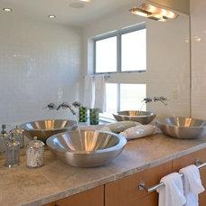 Modern Bathroom Rhodes Architecture + Light, Seattle Architect