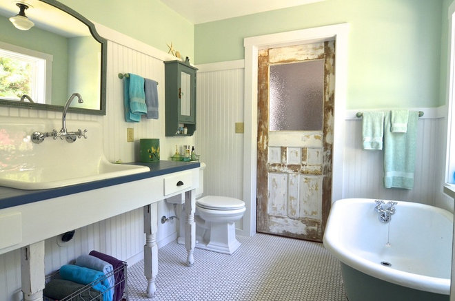 Traditional Bathroom by Sarah Greenman