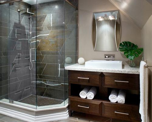 Salle de bain moderne avec un plan de toilette en terrazzo for Plan salle de bain moderne