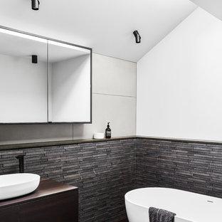 Photo of a contemporary bathroom in Melbourne.