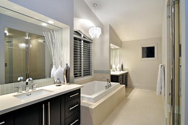 Contemporary Bathroom by Jordan Lotoski