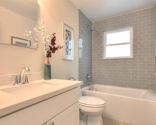 badezimmer mit integriertem waschbecken und linoleumboden design ideen beispiele f r die. Black Bedroom Furniture Sets. Home Design Ideas