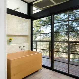 Mid-Century Badezimmer mit japanischer Badewanne Ideen, Design ...