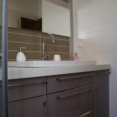 Contemporary Bathroom by Rina Magen