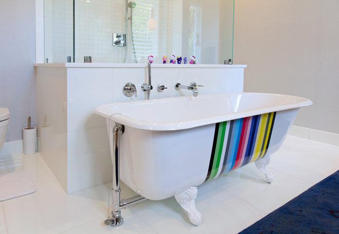 Современный Ванная комната by William Peacock Design LLC