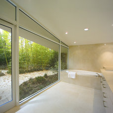Modern Bathroom by Mark Dziewulski Architect