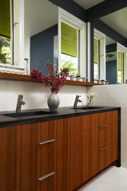 Modern Bathroom by Welch Forsman Associates