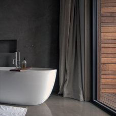 Contemporary Bathroom by BWArchitects (formerly Basil Walter Architects)