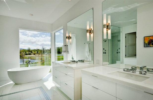 Contemporary Bathroom by Trey Hoff Architecture