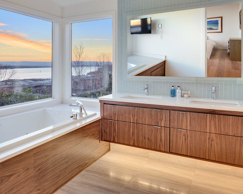 Wonderful Inspiration For A Contemporary Bathroom Remodel In Portland With An  Undermount Sink, Flat Panel