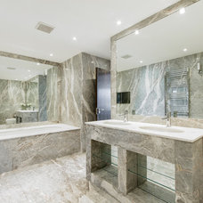 Modern Bathroom by Chris Snook