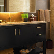 modern bathroom by Alan Kosa Interiors