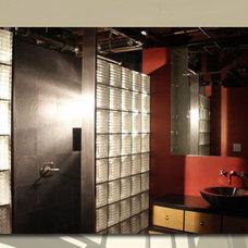 Contemporary Bathroom by Robert J. Neylan Architects, Ltd.
