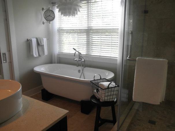 Eclectic Bathroom robinh