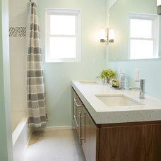 Contemporary Bathroom by LeMaster Architects
