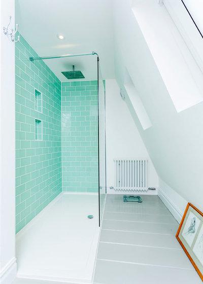 Contemporary Bathroom by Westcott Construction Ltd