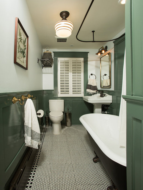Traditional Bathroom Design Ideas, Remodels & Photos with a Claw-Foot Tub