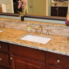 Traditional Bathroom by Distinctive Remodeling Solutions, Inc