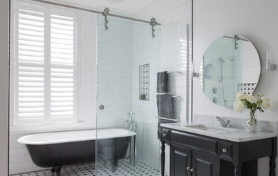10 Reasons to Choose Either Shower Screens or Curtains
