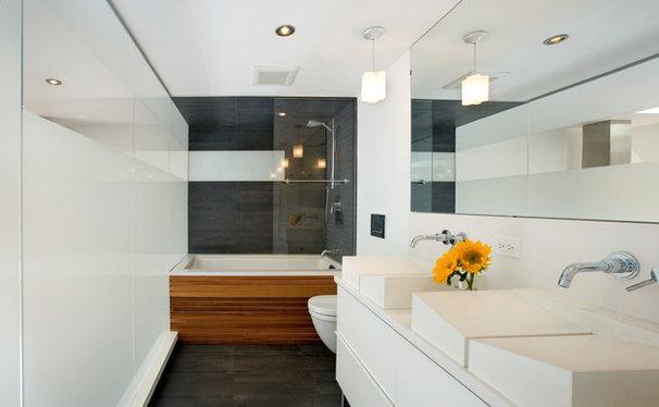 Modern Bathroom by S2 Architects