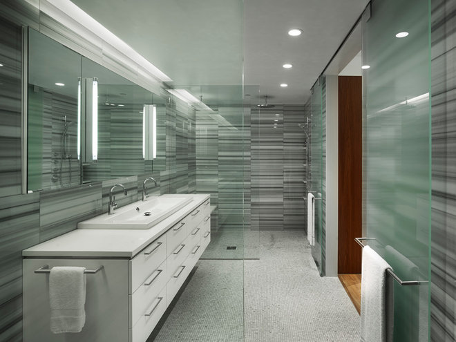 Modern Bathroom by Verner Architects