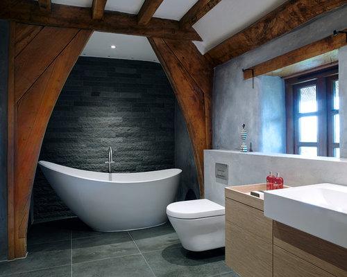 Salle de bain campagne avec un carrelage de pierre : Photos et ...