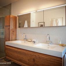 Modern Bathroom by Bespoke Construction