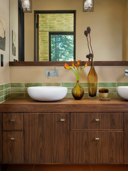 Houzz earth tones green bathroom design ideas remodel for Earth tone bathroom ideas