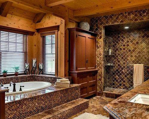 Foto e idee per stanze da bagno stanza da bagno in montagna manchester - Bagno piastrelle marroni ...