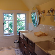 rustic bathroom by Soorikian Architecture