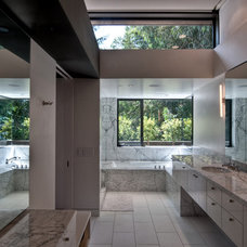 Contemporary Bathroom by Chu+Gooding Architects